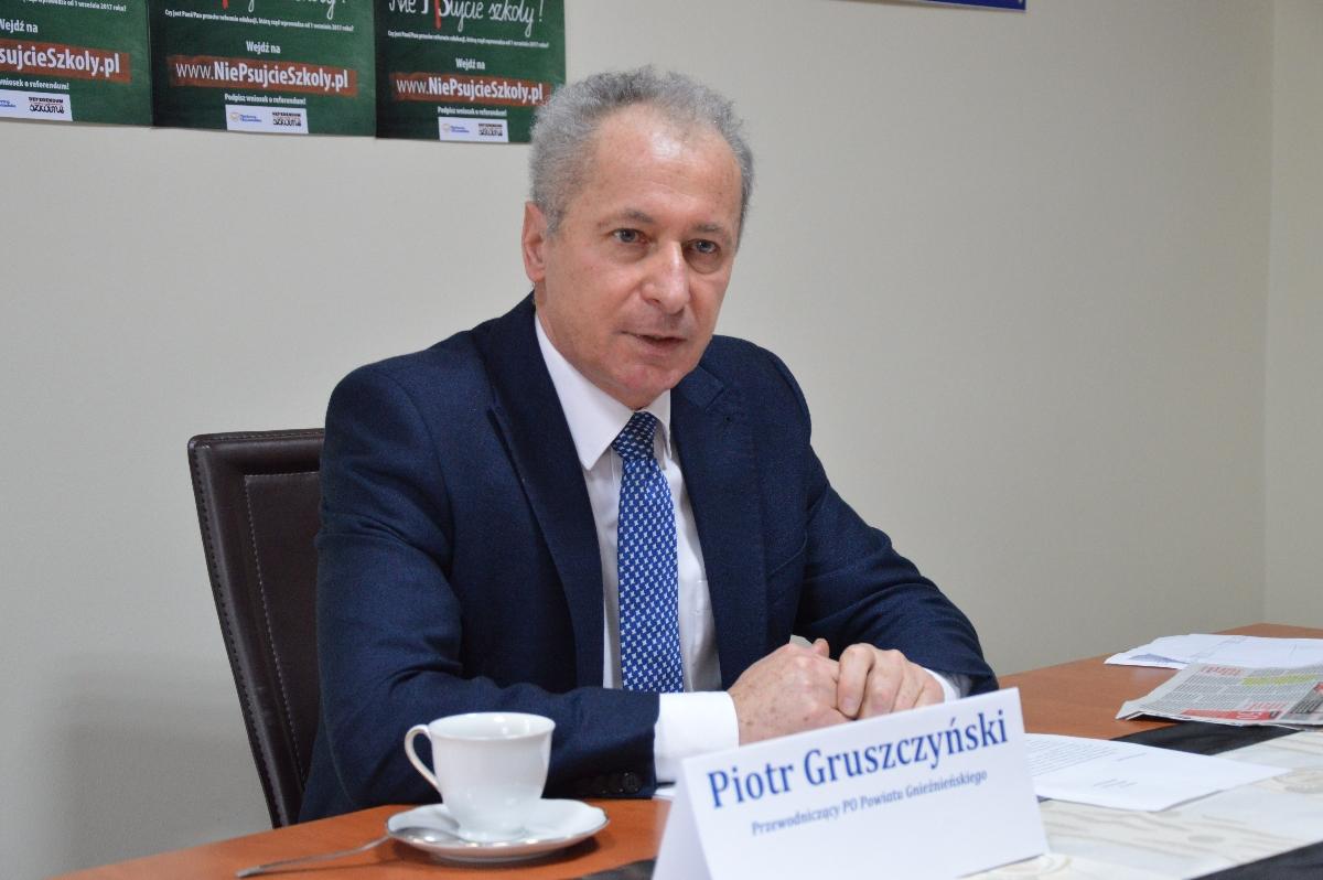 """P. Gruszczyński: """"PiS generalnie samorządu chyba nie lubi"""""""