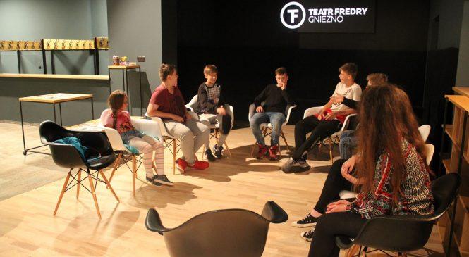 Teatr Fredry w poszukiwaniu spektrum młodzieżowych problemów