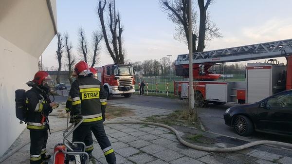 Znowu pożar w byłym hotelu i uderzenie pioruna