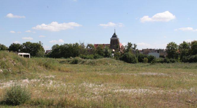Planistyczna karuzela we Wrześni. Zamiast mieszkań z widokiem na starówkę, blaszany market?