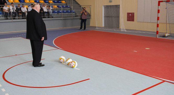 Piłki zostały kopnięte. Hala sportowa w Zdziechowie otwarta