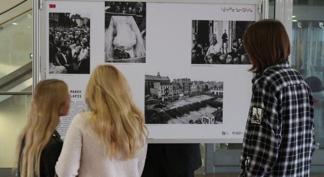 Fotografią o stuleciu niepodległej Polski na przykładzie Gniezna. Wyjątkowa wystawa w MPPP