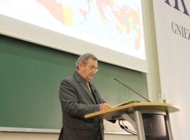 Prof. Norman Davies wygłosił wykład w Gnieźnie