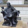 Czy to przystoi, by król Chrobry bez korony siedział przed ratuszem?