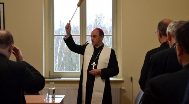 Prymas poświęcił nową siedzibę dla małżeństw i rodzin