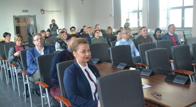 O współpracy w obszarze edukacji i organizacji pozarządowych