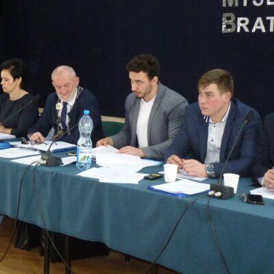 Radny chce zaoszczędzić na etatach w urzędzie miejskim