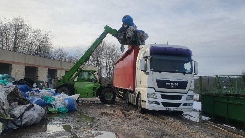 Zbiórka odpadów pochodzących z działalności rolniczej