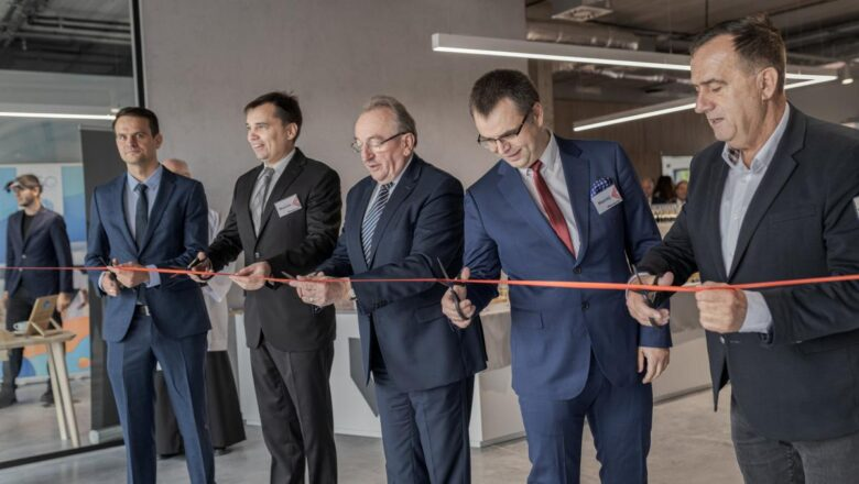 Otwarto VR INKUBATOR w Fałkowie